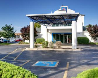 Motel 6 Springfield, IL - Springfield - Gebäude