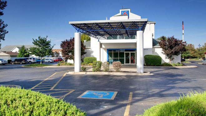 Motel 6 Springfield Il - Springfield - Edificio
