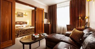 Chichikov Hotel - Carcóvia - Sala de estar