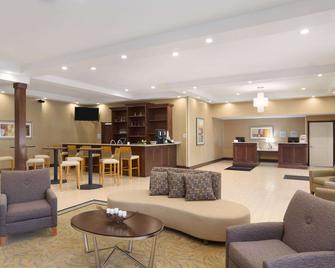 Wyndham Garden Grand Rapids Airport - Grand Rapids - Lobby