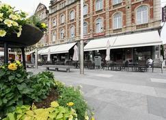 Hotel La Royale - Lovaina - Patio