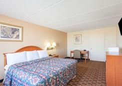 Days Inn & Suites by Wyndham Pigeon Forge - Pigeon Forge - Phòng ngủ