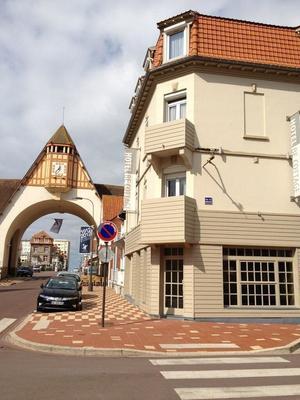 Be Cottage Hotel - Le Touquet - Building