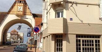 貝科塔奇酒店 - 勒圖凱 – 巴黎 – 普拉日 - 樂都給 - 建築