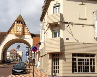 Hotel Be Cottage - Ле-Туке-Пари-Плаж - Здание