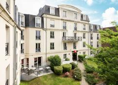 Ibis Valenciennes - Valenciennes - Building