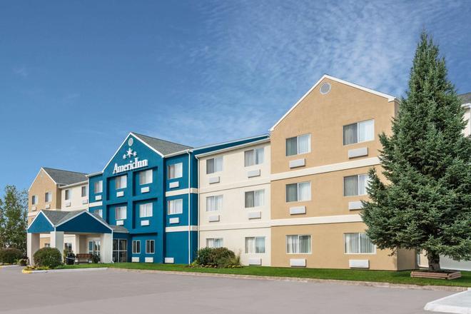 AmericInn by Wyndham Duluth - Duluth - Building