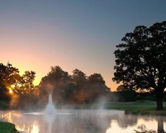 Hanbury Manor Marriott Hotel & Country Club - Ware - Außenansicht
