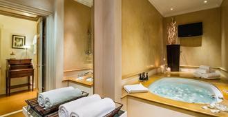 Baglioni Relais Santa Croce, Florence - Florence - Bathroom