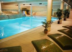 Hotel Lubicz Spa And Wellness - Ustka - Zwembad