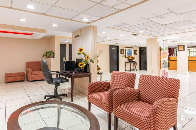 Quality Inn Orlando Airport - Orlando - Lobby