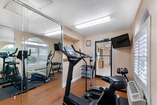 Quality Inn Orlando Airport - Orlando - Gym