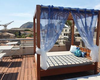 Best Western Premier Hotel Vieux Port - La Ciotat - Balkon