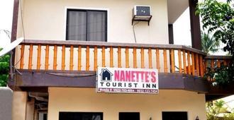 Nanette's Tourist Inn - Santa Fe - Building
