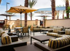 Fairfield Inn & Suites Tustin Orange County - Tustin - Patio