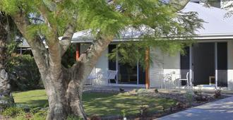 12th Tee Bed And Breakfast - Bargara - Outdoor view