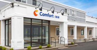 Comfort Inn - היאניס