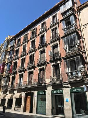 Hostal Cervelo - Madrid - Building