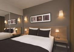 Adina Apartment Hotel Hamburg Michel - Hamburg - Phòng ngủ
