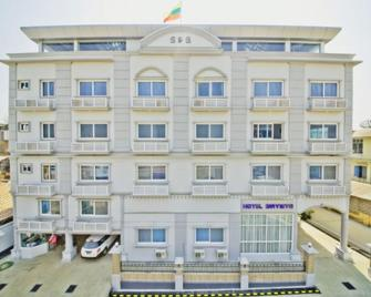 Hotel Maymyo - Pyin Oo Lwin - Gebäude