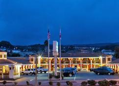 The Millwood- A Boutique Hotel - Millbrae - Building