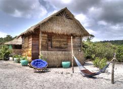 Greenblue Beach Bungalow Resort - Koh Rong Sanloem - Quarto