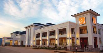 エカ ホテル ナイロビ - ナイロビ