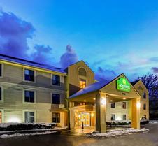 La Quinta Inn & Suites by Wyndham South Burlington