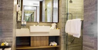 Swiss-Belresort Pecatu - South Kuta - Bathroom