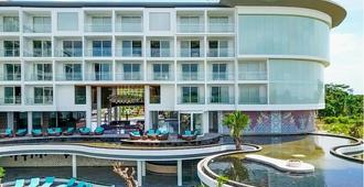 Swiss-Belresort Pecatu - South Kuta - Building