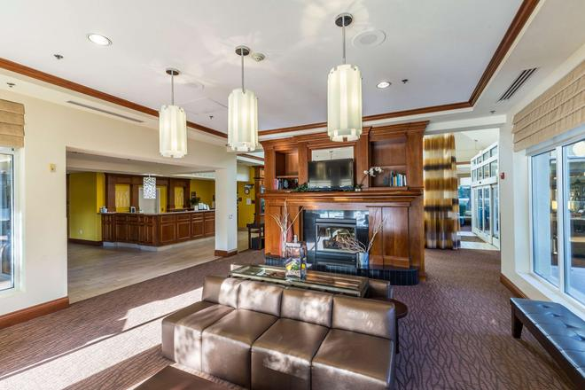 Hilton Garden Inn Fairfield - Fairfield - Lobby