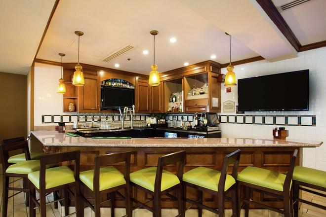 Hilton Garden Inn Fairfield - Fairfield - Bar