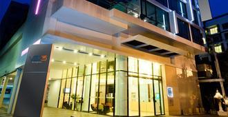 Vic3曼谷服務公寓 - 曼谷 - 建築