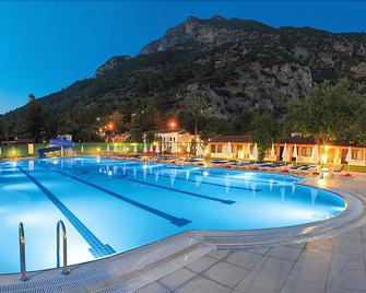Oludeniz Beach Resort By Z Hotels - Ölüdeniz - Bể bơi