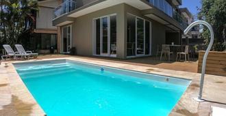 Pousada Barbroch - Florianopolis - Pool