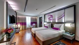 Howard Johnson Plaza by Wyndham Dubai Deira - Dubai - Bedroom