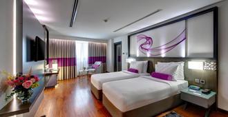 Howard Johnson Plaza by Wyndham Dubai Deira - דובאי - חדר שינה