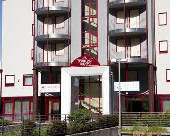 Hotel Sporting Trento - Trente - Gebouw