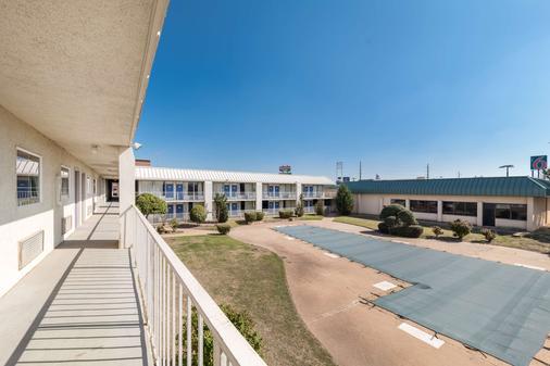 Motel 6 Bricktown - Oklahoma City - Building