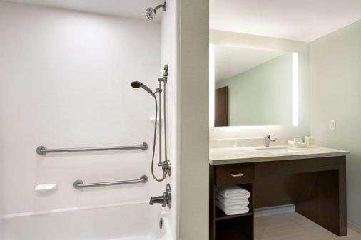 Homewood Suites by Hilton Mobile I-65/Airport Blvd, AL - Mobile - Bathroom