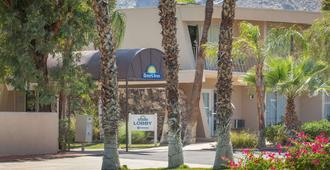 Days Inn by Wyndham Palm Springs - Palm Springs - Building