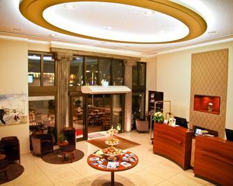 Central-Hotel Kaiserhof - Hannover - Reception