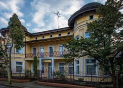 Villa Casteria - Międzyzdroje - Rakennus
