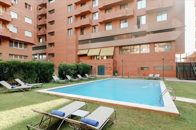 Hesperia Sant Joan - Barcelona - Bể bơi