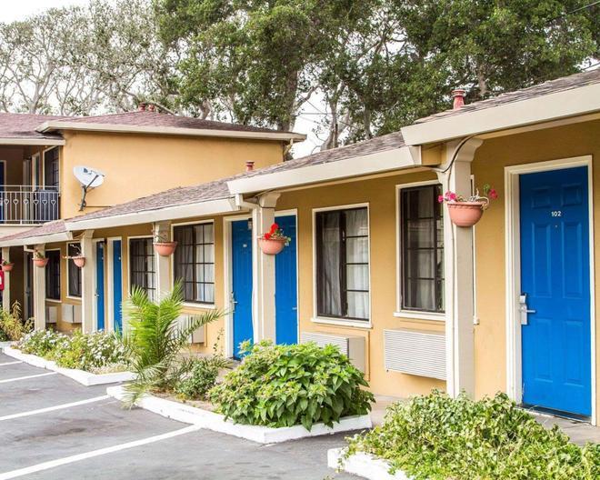 Rodeway Inn - Monterey - Building