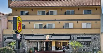 Super 8 By Wyndham Inglewood/Lax/La Airport - Inglewood - Toà nhà