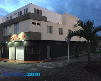 Hostal 42 - Palmira - Building