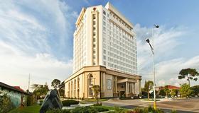 Tan Son Nhat Saigon Hotel - Ho Chi Minh City - Building