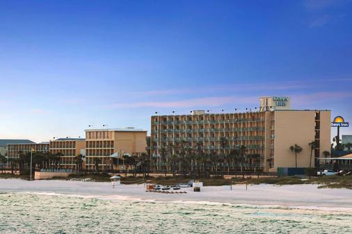 巴拿馬城海灘戴斯酒店 - 巴拿馬市海灘 - 巴拿馬城海灘 - 建築