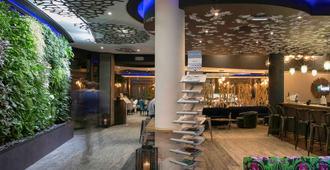 Mercure Bordeaux Aeroport - เมอรีญัค (ฌีรงด์)